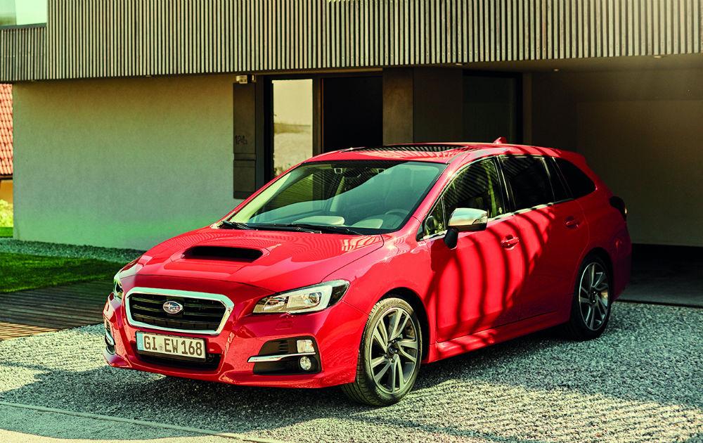 Subaru Levorg, kırmızı