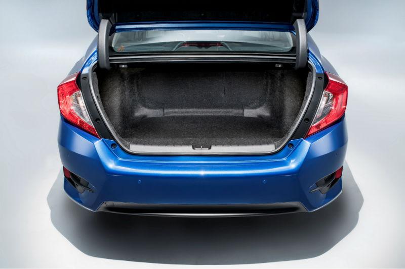 Yeni neisl Honda Civic bagaj anlamında da bonkör