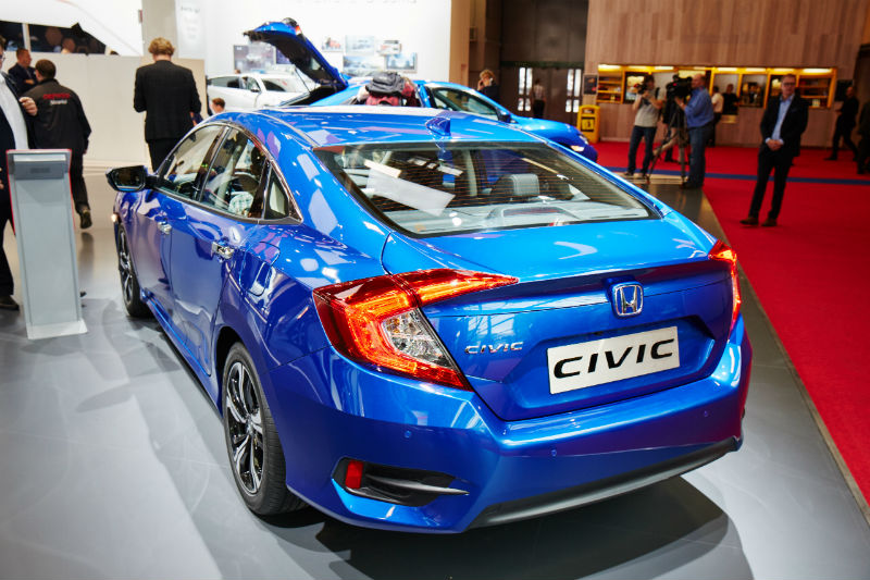 Honda Civic Sedan mavi 10.nesil arka