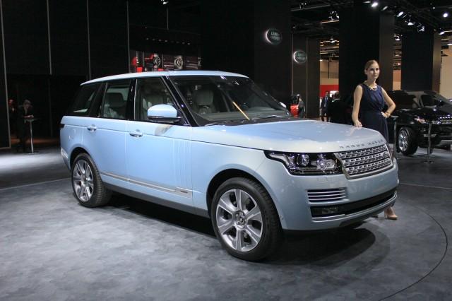 Range Rover Hybrid Frankfurt Otomobil Fuarı açık mavi