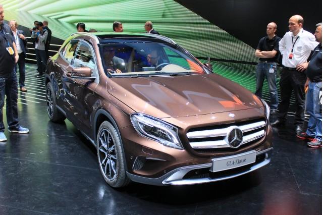 2015 Mercedes Benz GLA Frankfurt Otomobil Fuarı 2013