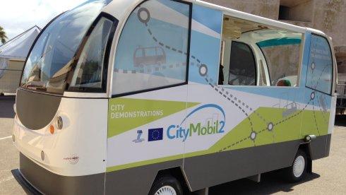 şoförsüz minibüs ilk Yunanistan'da hizmete girdi