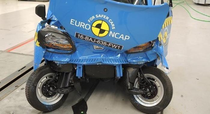 Bajaj Qute quadricycle euro ncap testlerinden 2 yıldız aldı