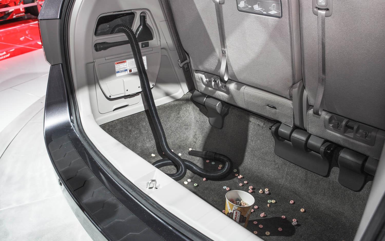 Honda Odyssey elektrikli süpürge