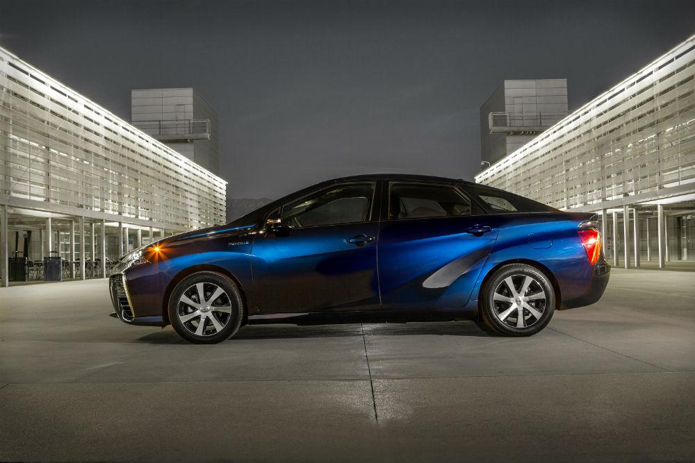 Toyota Mirai, yakıt hücreli çevreci otomobillerin en önemli örneği