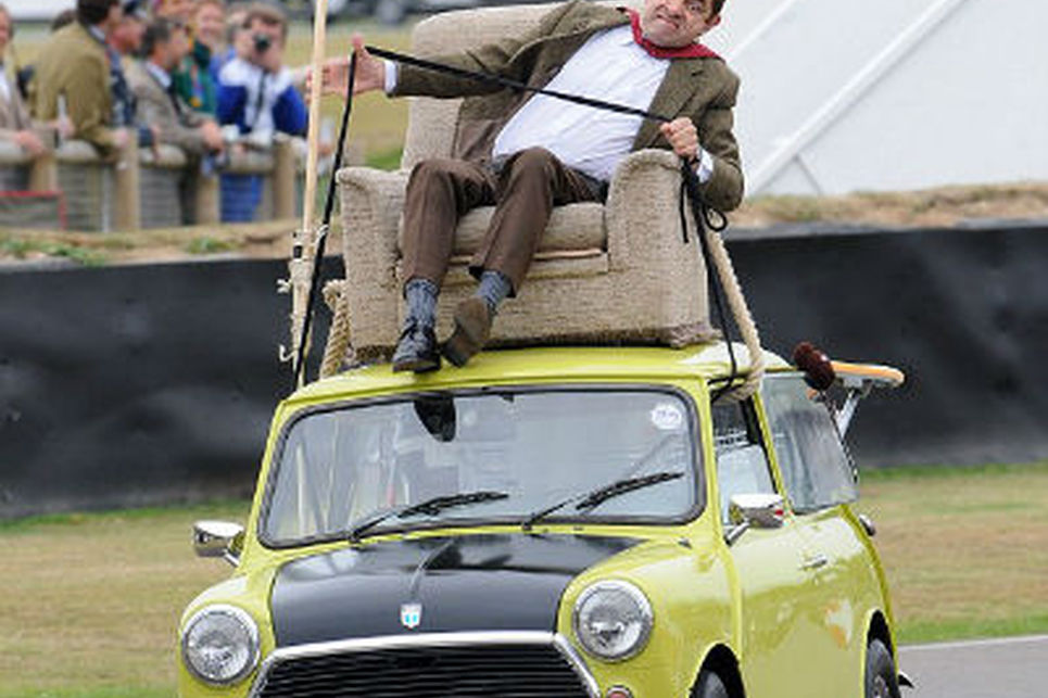 Mr.Bean ve sarı Mini Cooper