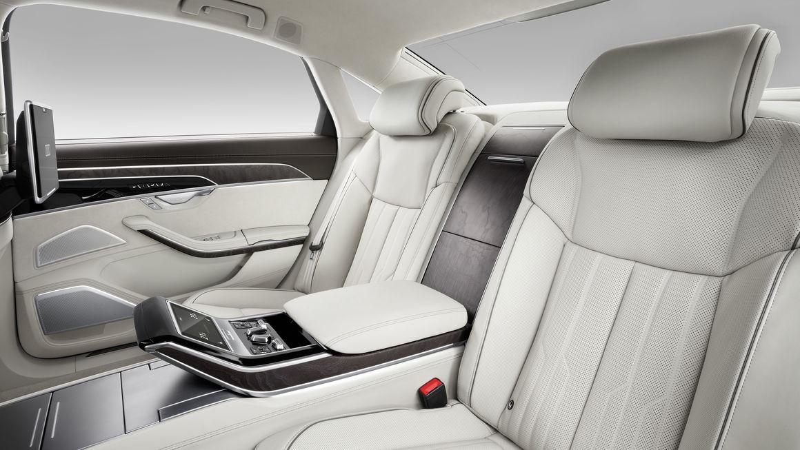 Audi A8 kabin