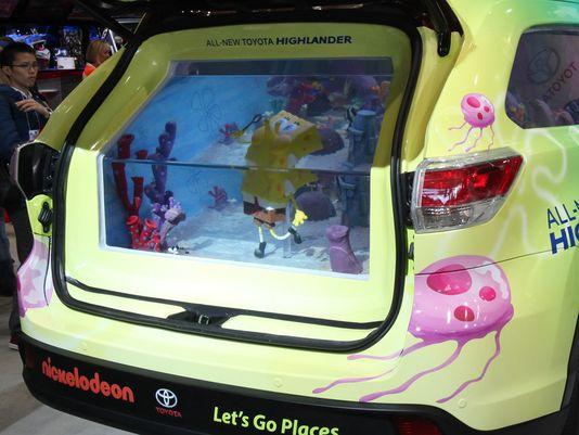 Toyota highlander sünger bob versiyonunda bagaj akvaryumu. Nickelodeon kampanyası
