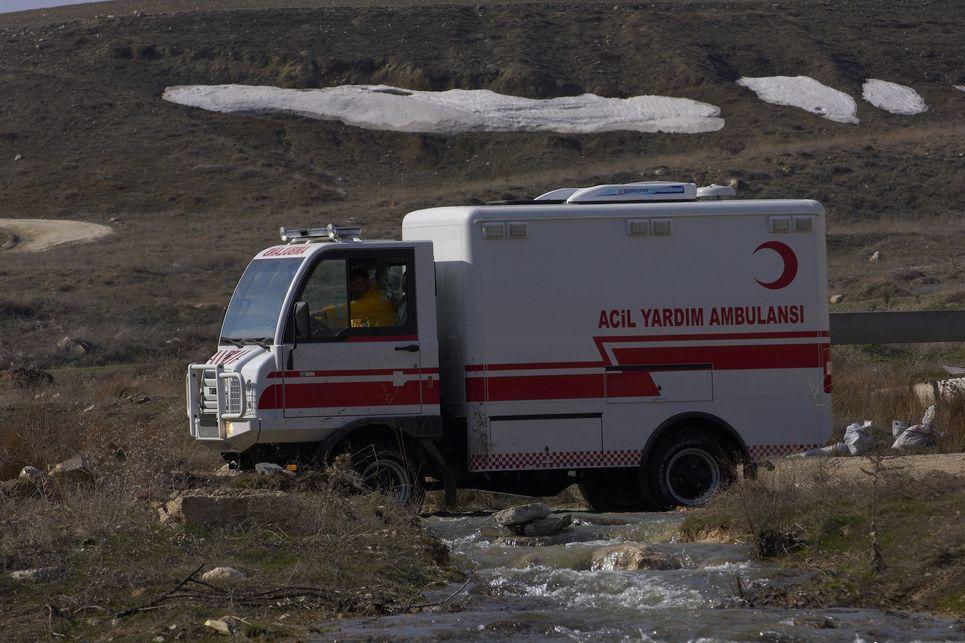 acil yardım ambulansı, turkar, türk malı, arazi aracı