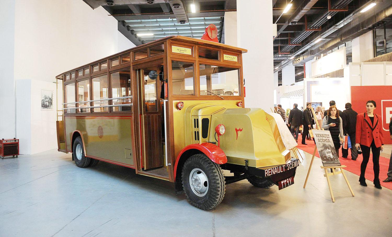 İETT'nin ilk otobüsü 1927 model Renault-Scemia